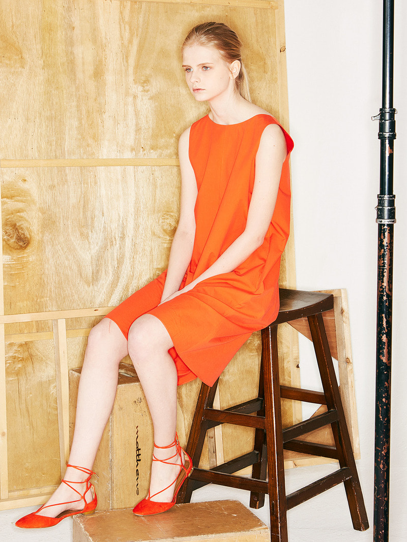 BACK-DETAILED DRESS. ORANGE