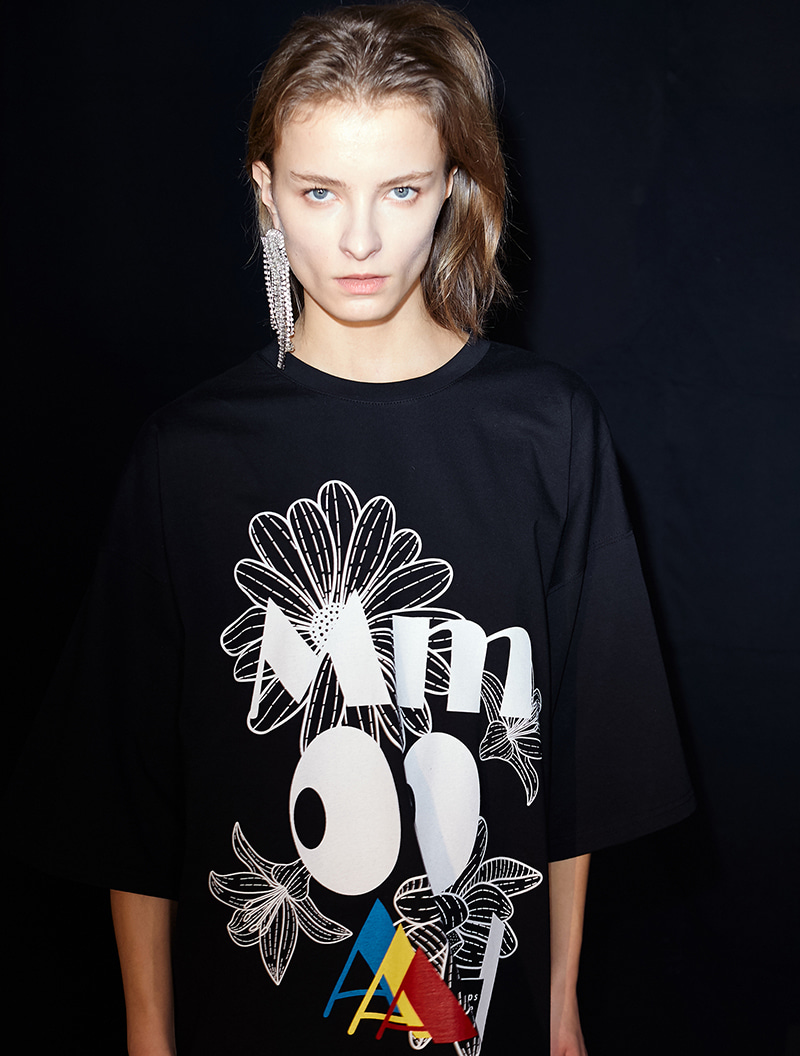 MM OVERSIZED TEE BLACK