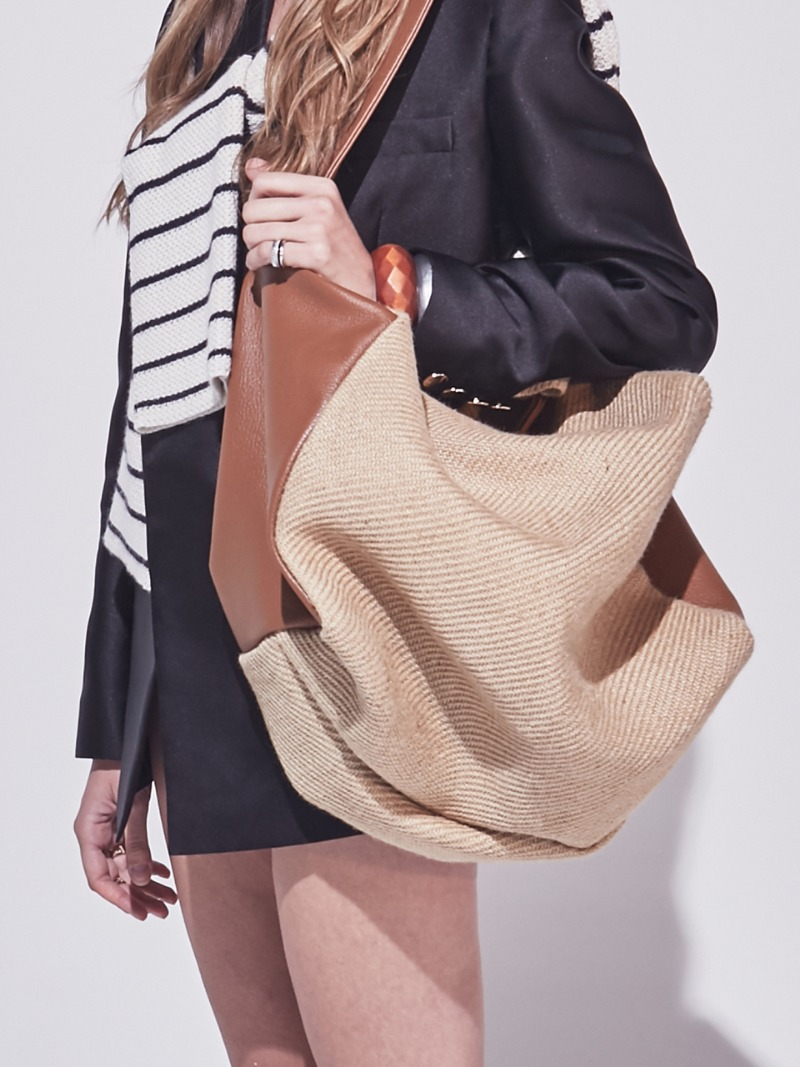 VALERIE COURRIER. RAFFIA BROWN [LEATHER: CALFSKIN]