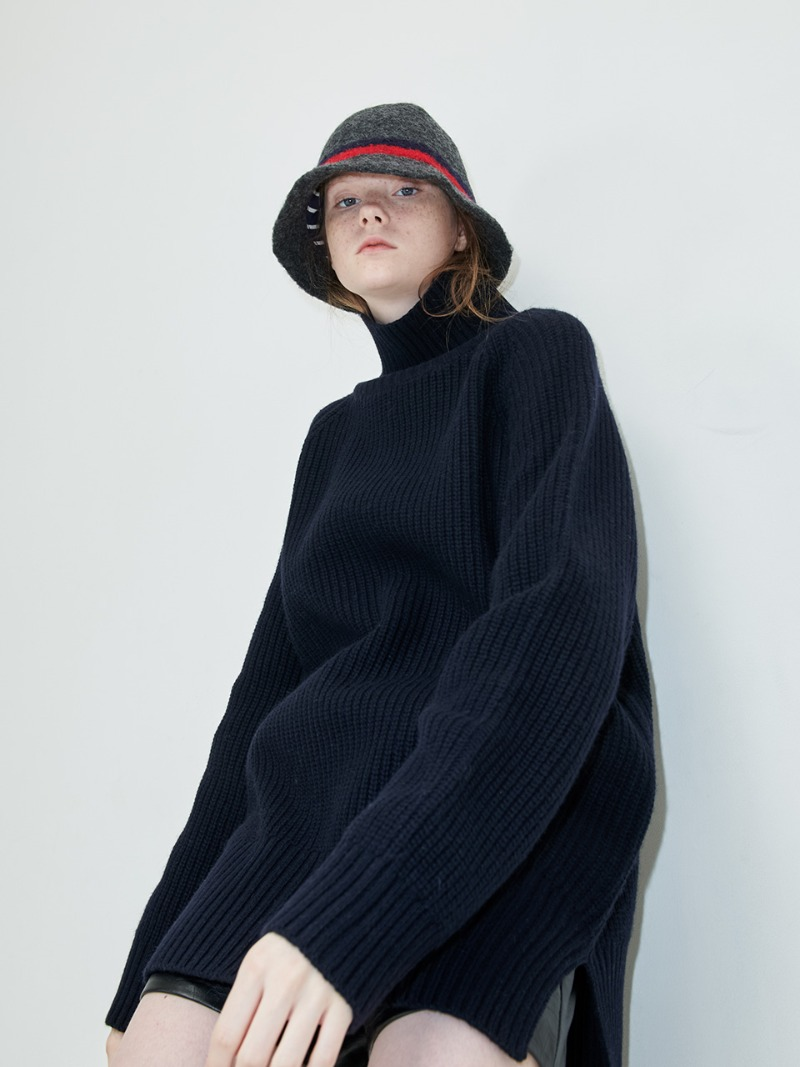 OVERSIZED KNIT - TURTLE - NAVY